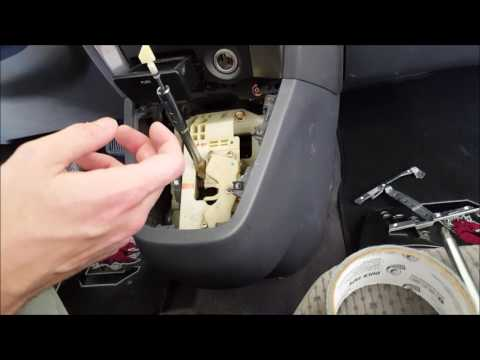 Hyundai Tucson Dash Removal & Bluetooth Microphone Install