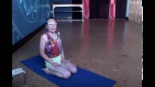Got a Minute? Do a Pose! Week 14: Virasana, Parvatasana, kneeling hero