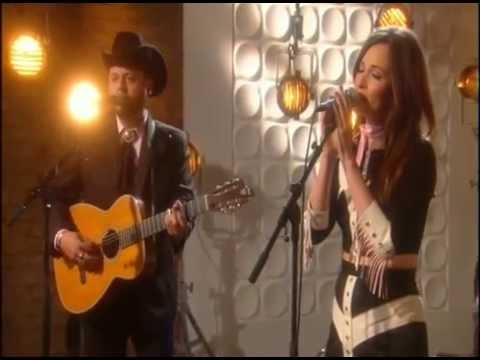 Kacey Musgraves Are You Lonesome Tonight Weekend