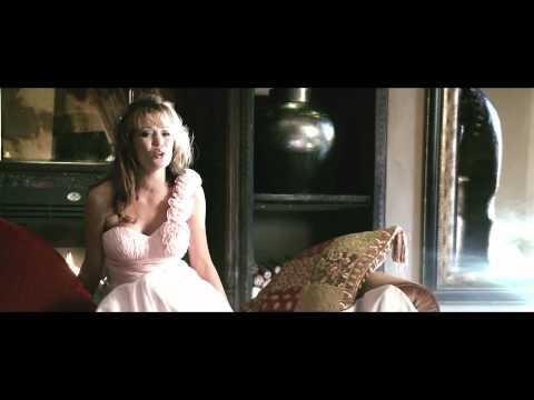 Nádine & Gerhard Steyn – Rooi Roos (AMPTELIKE MUSIEK VIDEO) HD