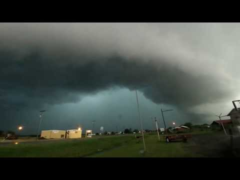 Time lapse of tornado warned supercell in Waurika, Oklahoma, May 8, 2015