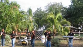 Los Donnys de Guerrero - Moises Colon