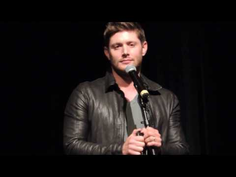 Jensen Ackles sings at Supernatural VegasCon 2017