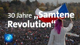 """30 Jahre """"Samtene Revolution"""": Proteste gegen Regierung in Prag"""