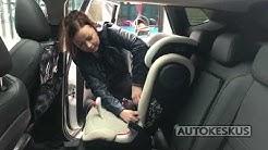 Lapsen matkustaminen autossa: turvavyöistuin