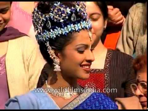 Priyanka Chopra Miss World Crown On Head India S National Anthem
