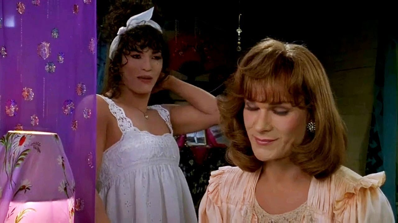 Let S Talk About To Wong Foo Thanks For Everything Julie Newmar A Jaded Nerd Live Discussion Youtube
