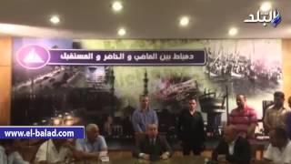 بالفيديو ..  محافظ دمياط يحل مشكلة ضعف مياه الشرب بقرى كفر سعد
