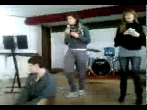 Karaoke v t