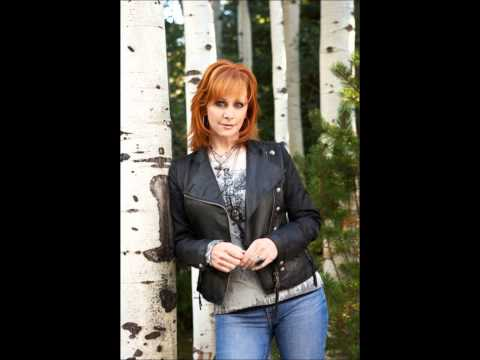 Reba McEntire ~ He Gets That From Me Lyrics