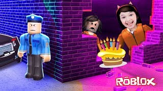 ROBLOX-ESCAPING FROM PRISON ON MOM'S BIRTHDAY (Jailbreak) | Luluca Games