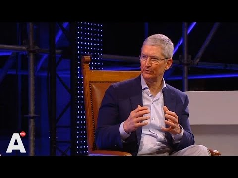Apple-baas Tim Cook in Amsterdam over startups: 'Laat je niet drijven door geld'