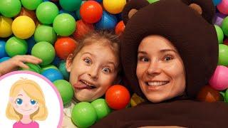 Маленькая Вера и Медведь влог - Игры для детей на детской площадке