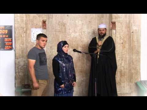 Pranimi i Islamit nga një grua gjermane në Prishtinë 2012  |HD|