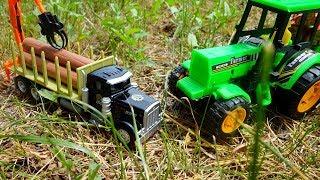 Видео для детей. Трактор и лесовоз в лесу