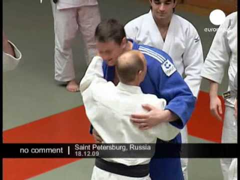 Putin practices judo – No comment