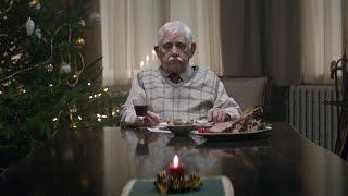 EDEKA Weihnachtsclip - #heimkommen(activar subtítulos +++ ative as legendas +++ activer les sous-titres +++ 请打开字幕 +++ включите субтитры Zuhause mit den Liebsten ist es am schönsten., 2015-11-28T09:00:01.000Z)