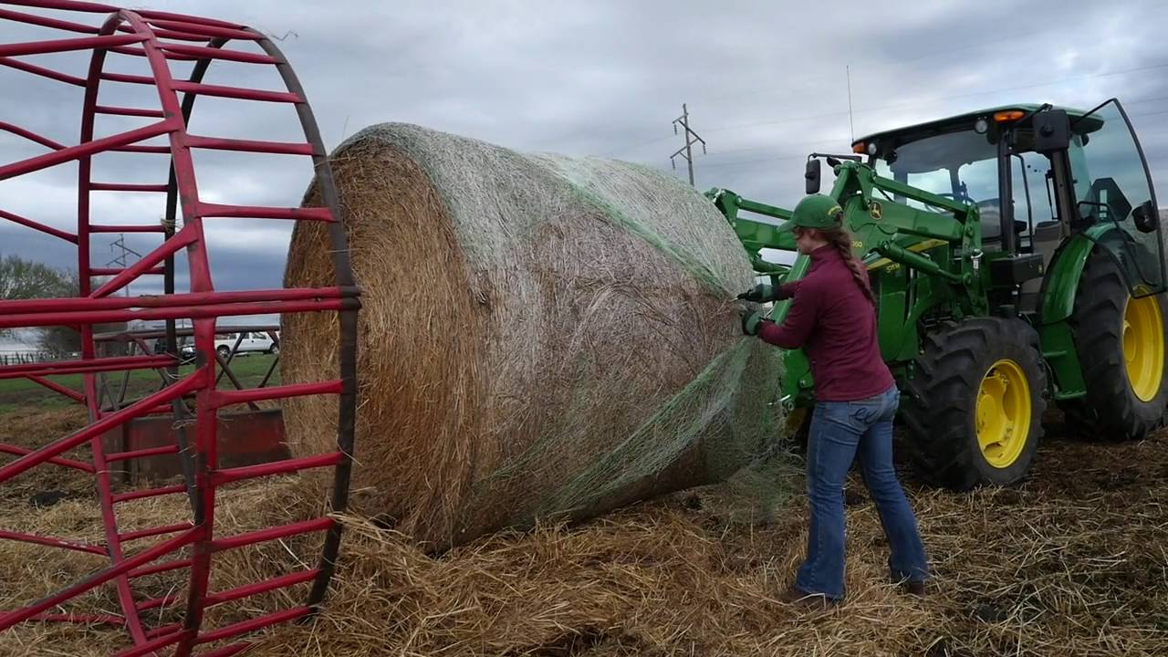 How To Handle Large Round Bales