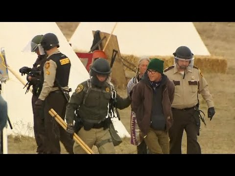 More than 140 arrests at violent Dakota Access Pipeline protests
