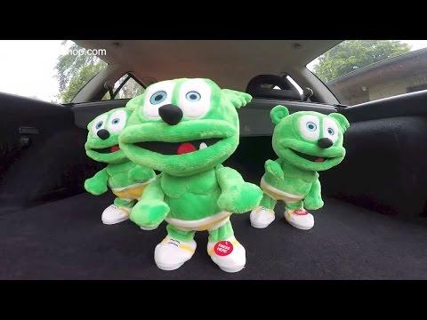 Hey Look! Gummibär is BACKWARDS!! Live Action Gummy Bear Song