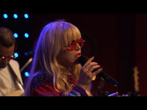 Paloma Faith - Cry Baby (LIVE) Le Grand Studio RTL