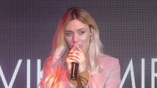 Смотреть клип Vika Mirova & Mrk - Зачекай