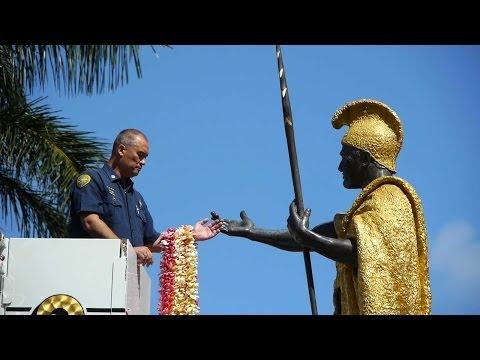 Kamehameha Day Lei Draping 2014