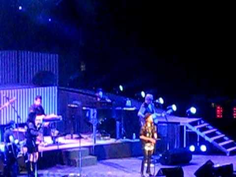 Martina McBride - Help Me Make It Through The Night @ OC Fair 7/22/10