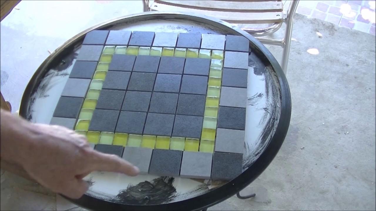 Come Costruire Un Mosaico fare un mosaico su semplice tavolino in ferro.