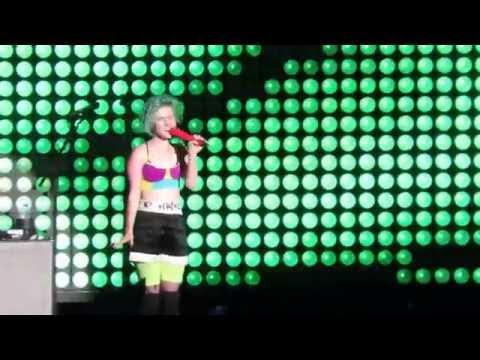 Paramore Concert Concord Ca. 2014