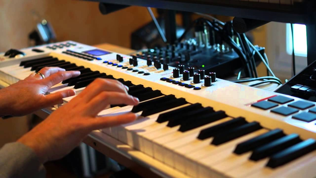 Demonstration: Integra-7 and Bk-7m controlled by Axiom Pro 61 master  keyboard