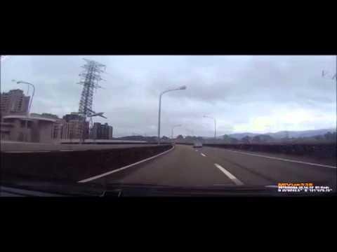 IMPRESIONANTE!!! CAIDA DEL AVIÓN TRANS ASIA EN TAIWAN(AIRPLANE CRASHING IN TAIWAN)