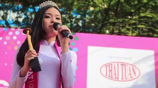 """Tặng quà """"Một toả sáng - Ngàn niềm vui"""" Nữ sinh Trường THPT Trần Văn Giàu"""