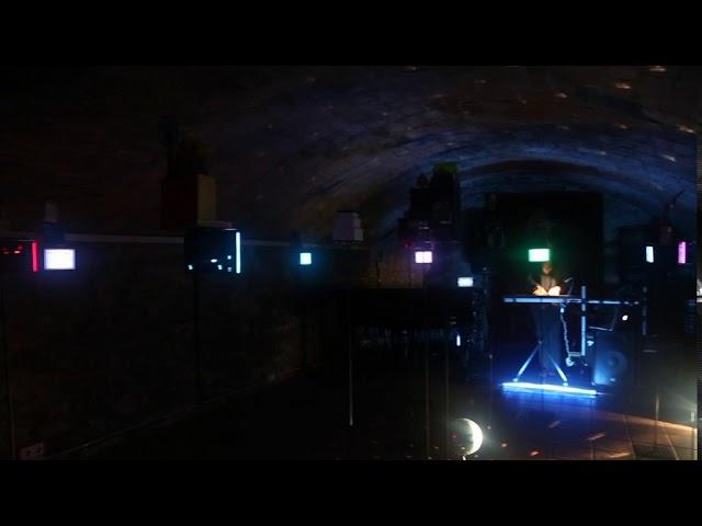La instalación OUT OF THE BOX de PERE CABARET en FESTIVAL INUND'ART