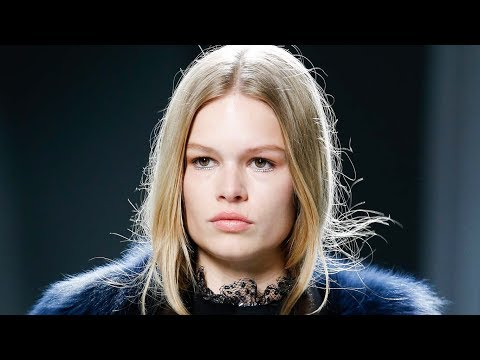 ANNA EWERS  Shows opened and closed