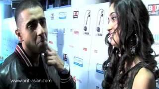 jay sean imran khan amir khan backstage at the uk ama s 2010