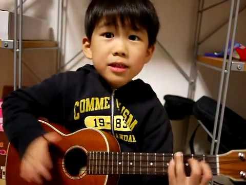 Cư dân mạng lại  điên đảo  với cậu bé ngứa mũi    gẩy đàn hit  I m yours    Forum iuvip com   Vip News Daily