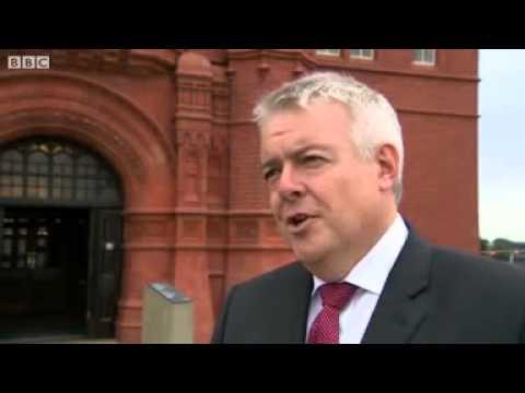 Carwyn Jones says devolution currently weakening case for No vote