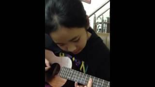 Jingle bells (Ukulele Cover) - Mai Phương (H/s Guitar Đam Mê Center)