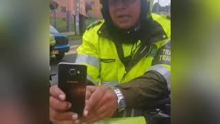 Golpiza a policía durante operativo de control al espacio público- Blu Radio