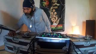 DJ CLYDE practicing The Spread Love Dj Set ( Extract) - March 2018