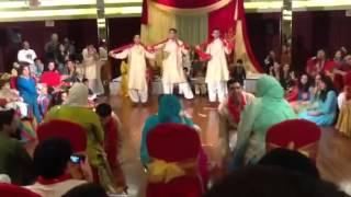 Pakistani Mehndi Boys Dance