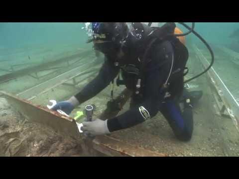 Trabajos en el barco fenicio de Mazarrón II. Museo Nacional de Arqueología Subacuática ARQUA