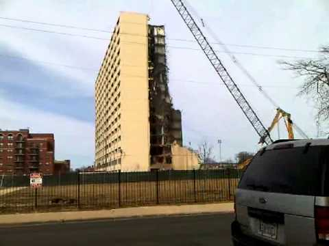 Last building of the Cabrini-Green Housing Project comes down