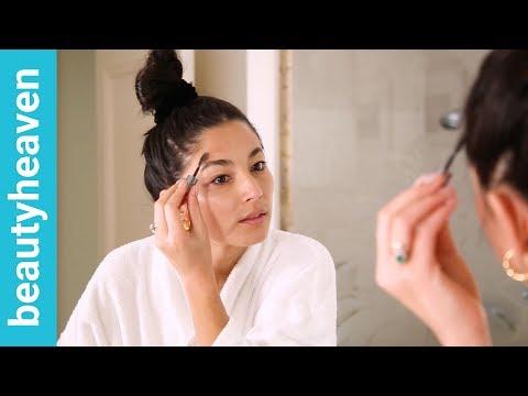 Model makeup: Jessica Gomes