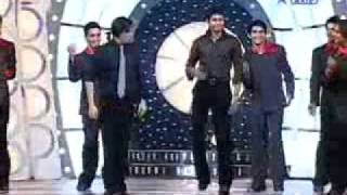 Chak De    Sreesanth Dance On Darde e Disco  with sharukh khan