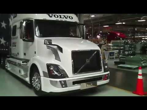 Vovlo Trucks, ATA America's Roadteam VNL 780 First Look - YouTube