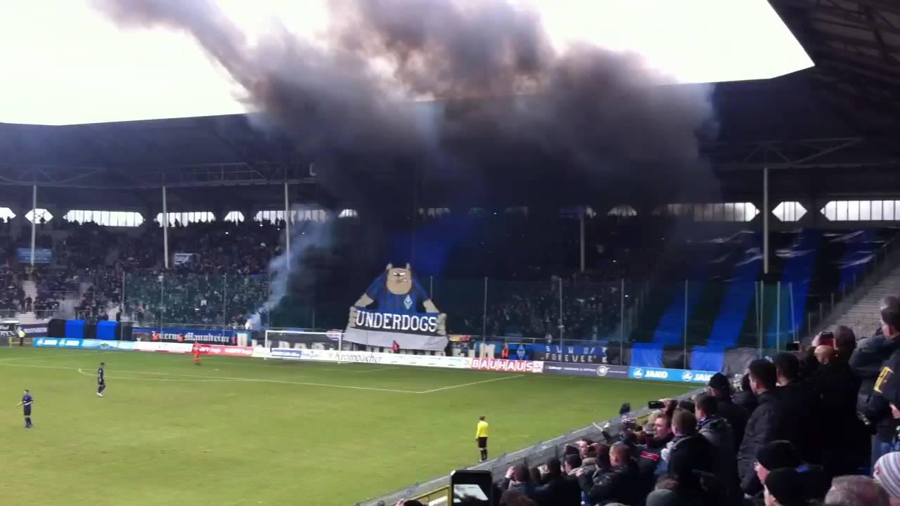 Waldhof Mannheim Ultras Vor Spiel Gegen Den Karlsruher SC