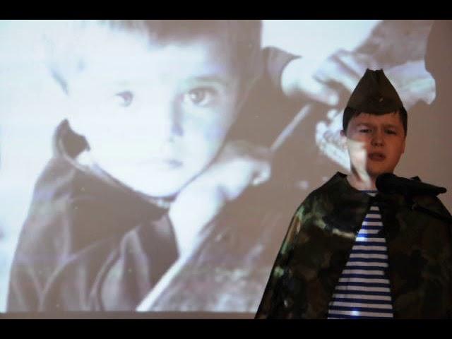 Изображение предпросмотра прочтения – АрсенийСинчурин читает произведение «Майор привез мальчишку на лафете» К.М.Симонова