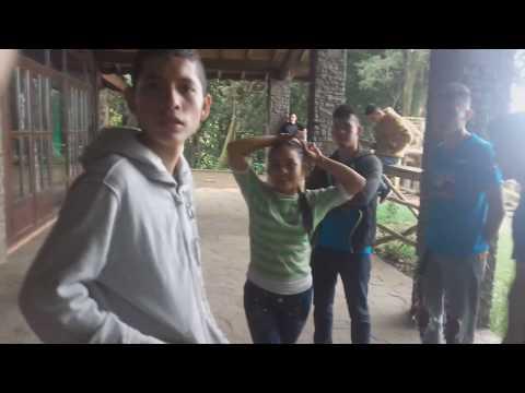 LA CHIKI DESAFÍA A EL SALVADOR CHANNEL - SIGUE EL BUEN AMBIENTE EN LA CASA DE CRISTAL